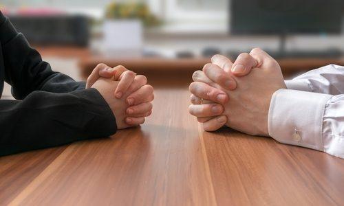 プロにタダor安くで仕事を依頼してくる人への対処法